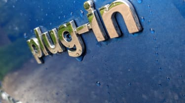 Hyundai Ioniq Plug-in - badge