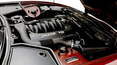 Jaguar XK8 engine