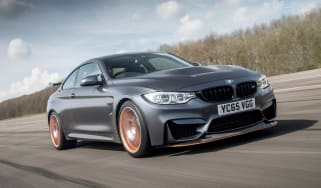 BMW M4 GTS UK 2016 - front tracking 2