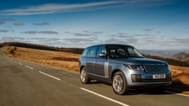 Range Rover review - front tracking