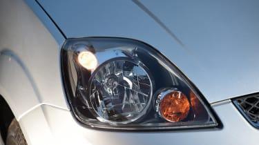 Ford Fiesta Mk5 - headlight