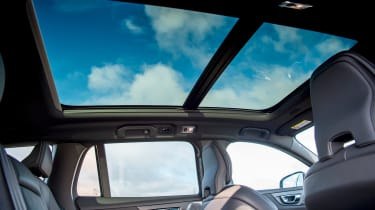 Volvo V60 T8 Twin Engine - panoramic roof