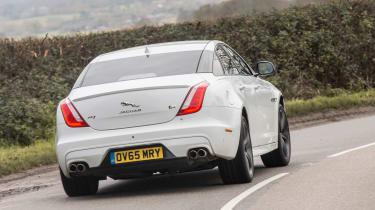 Jaguar XJR - rear cornering