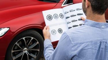 Volvo V60 - long termer first report brochure