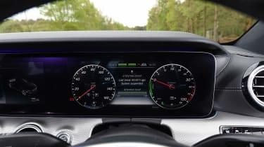 Mercedes E 350e - dials