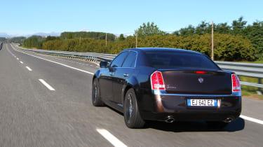 Chrysler 300C 2012 rear tracking