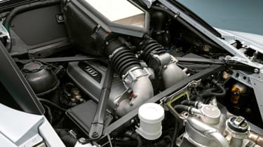 Audi R8 LMS GT2 - engine