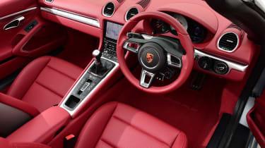 Convertible megatest - Porsche 718 Boxster - interior