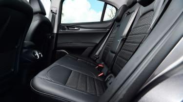 Alfa Romeo Stelvio Nero Edizione - rear seats