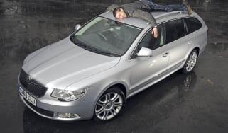 Skoda Superb Estate header