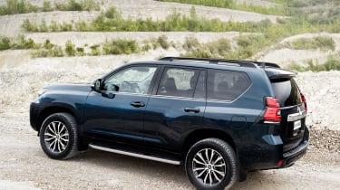 2018 Toyota Land Cruiser facelift rear quarter