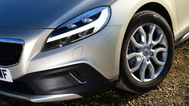 Volvo V40 Cross Country - front detail