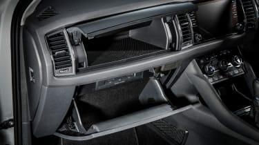 Skoda Kodiaq SUV 2016 - glovebox
