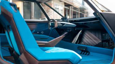 Peugeot e-Legend- interior