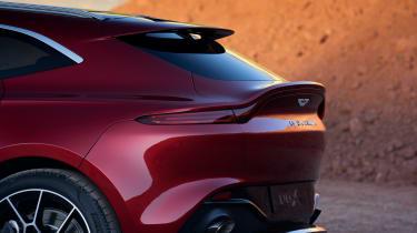 Aston Martin DBX - rear spoiler