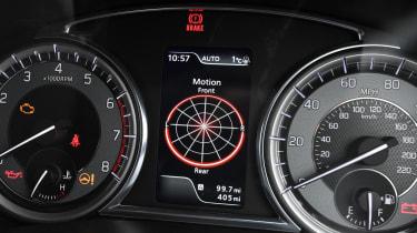 Suzuki Vitara - dials detail