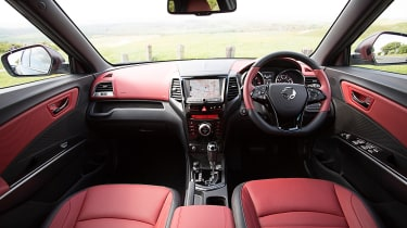 SsangYong Tivoli XLV 2016 UK - interior