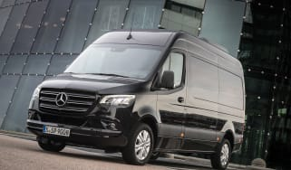 Mercedes Sprinter - front static