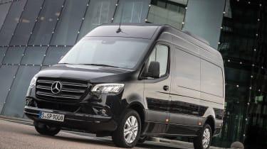 Mercedes Sprinter - front static