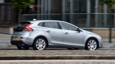 Volvo V40 2016 - side tracking 2