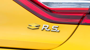 Renault Megane R.S. Trophy - R.S. badge