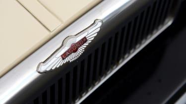 Aston Martin Lagonda - Lagonda badge