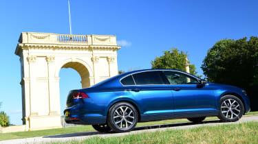 Volkswagen Passat profile