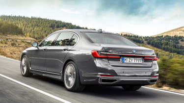 BMW 7 Series facelift - rear tracking
