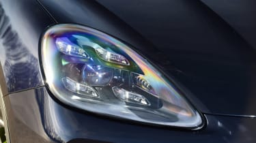 Porsche Cayenne - front light