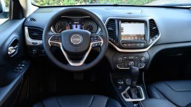 Jeep Cherokee diesel 2014 interior