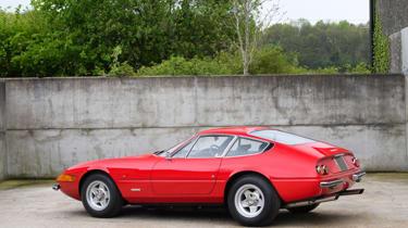 Ferrari 365 GTB/4 Daytona  rear side