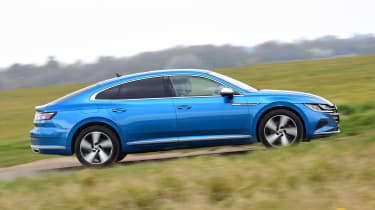 Volkswagen Arteon eHybrid - side