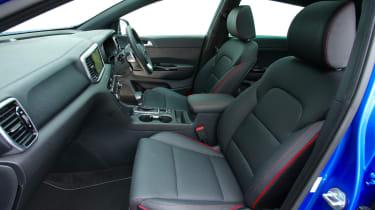 Kia Sportage 48V hybrid - front seats