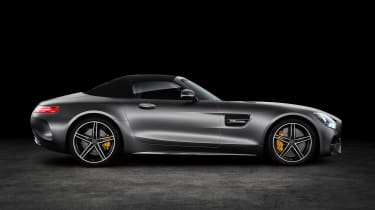 Mercedes-AMG GT C Roadster - side roof closed