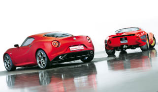 Alfa Romeo 4C vs 33 Stradale