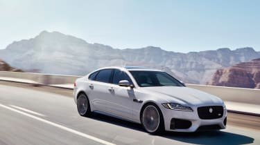 Jaguar XF S - front tracking 2