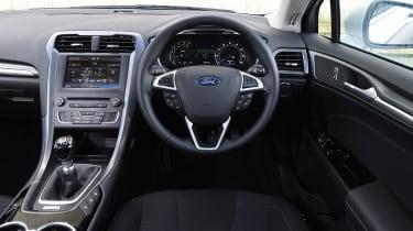 Ford Mondeo - dash
