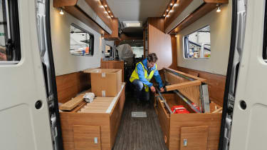 Making a motorhome - bed box