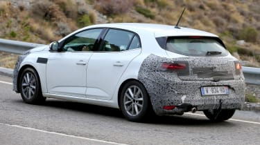 Renault Megane facelift spy shots rear