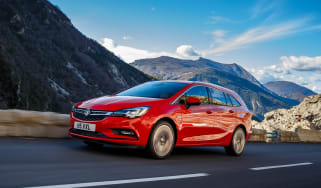 New Vauxhall Astra Sports Tourer - front tracking