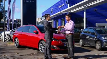 Peugeot 308 SW long termer dealer