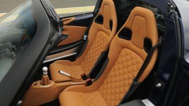Lotus Exige S Roadster seats