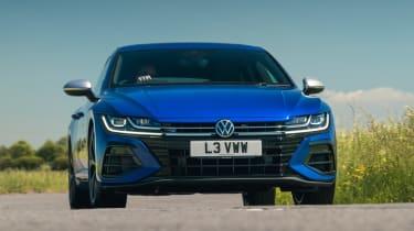 Volkswagen Arteon R Shooting Brake - front cornering