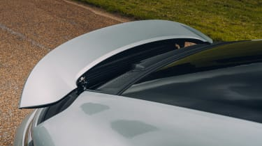 Porsche 911 GT3 Touring Package - rear wing