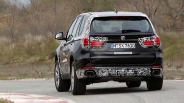 BMW X5 eDrive rear cornering