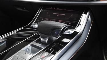 Audi Q8 - Gearstick