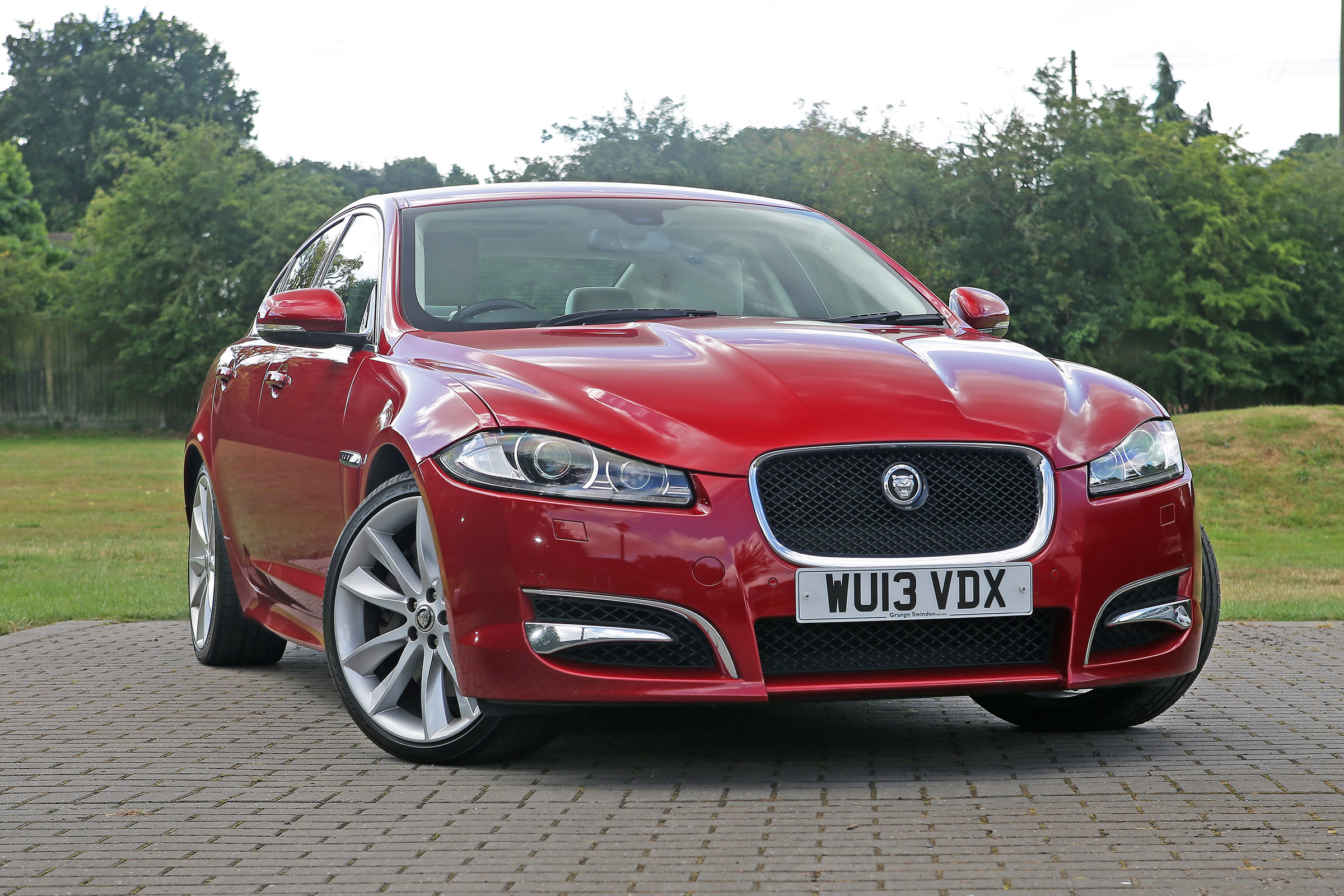 Used Jaguar Xf Mk1 Review Auto Express