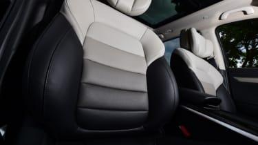 Renault Koleos Initiale Paris shaded seats