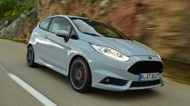 Ford Fiesta ST200 - front driving