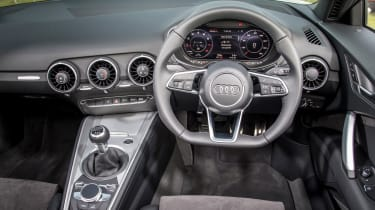 Audi TT Roadster 180 2016 - interior
